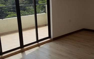 4 bedroom apartment for rent in Nyari