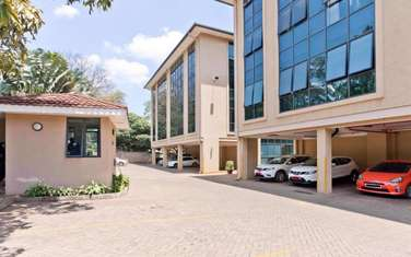 1217 m² office for sale in Riverside