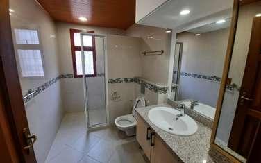 5 bedroom townhouse for rent in General Mathenge