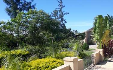 4 bedroom villa for sale in Kikambala