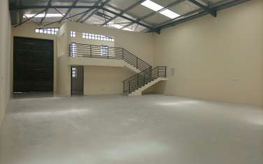 3000 ft² warehouse for rent in Mlolongo