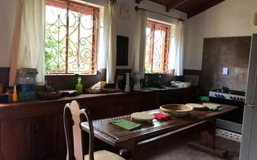 Furnished 4 bedroom house for rent in Rosslyn