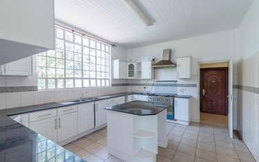 6 bedroom house for rent in North Muthaiga