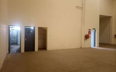 9700 ft² warehouse for rent in Industrial Area