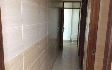 93 m² office for rent in Hurlingham