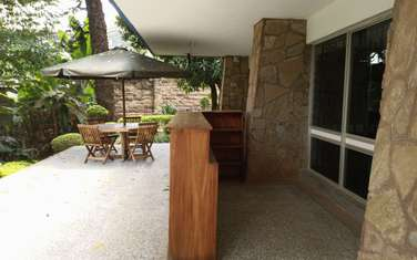 1050 m² commercial property for rent in Lavington