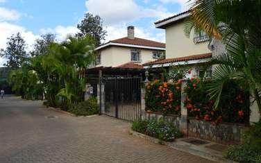 4 bedroom townhouse for rent in Dennis Pritt