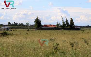 450 m² land for sale in Koma Rock