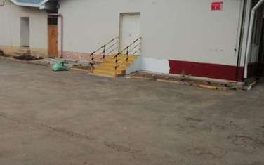 372 m² warehouse for rent in Industrial Area