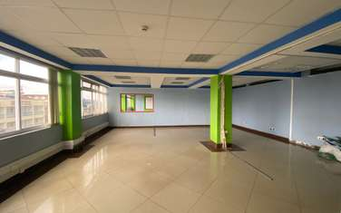 419 m² office for rent in Ngara