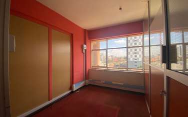 640 ft² office for rent in Ngara