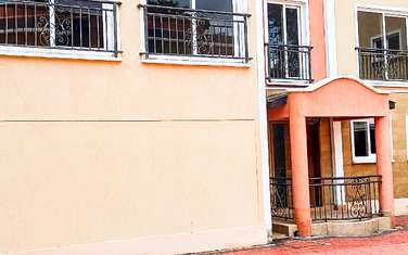 5 bedroom townhouse for rent in State House