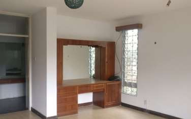 279 m² office for rent in Westlands Area