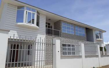 4 bedroom townhouse for sale in Bamburi