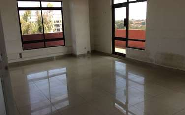 93 m² office for rent in Hurlingham