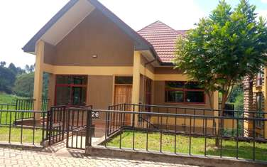 5 bedroom villa for sale in Red Hill
