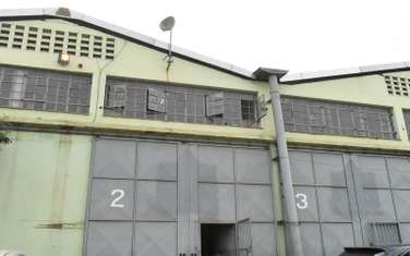 396m² warehouse for rent in Industrial Area