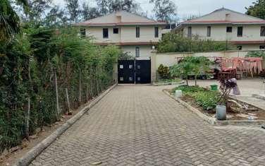 4 bedroom townhouse for sale in kizingo