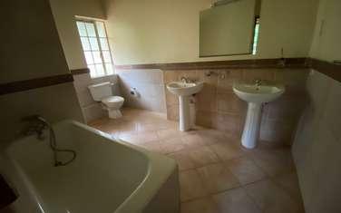 5 bedroom villa for sale in Rosslyn