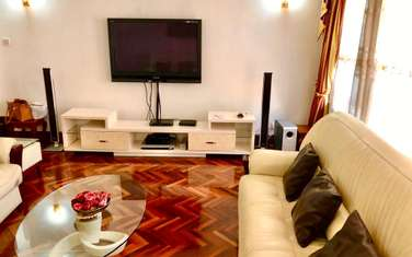 Furnished 5 bedroom townhouse for rent in Riverside