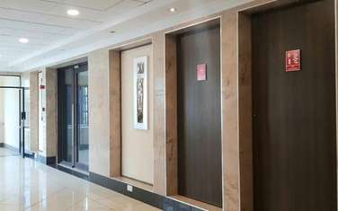 386 m² office for rent in Riverside