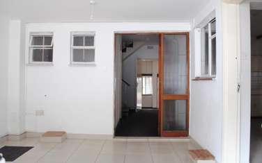 3 bedroom villa for rent in Rhapta Road