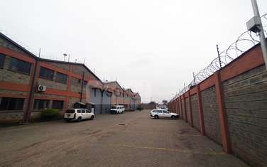 6000 ft² warehouse for rent in Industrial Area