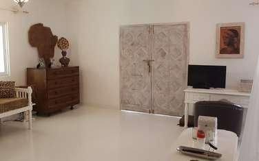 6 bedroom villa for sale in Ganda