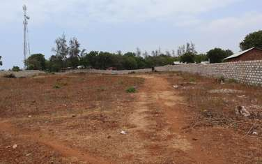 3400 ft² land for sale in Kikambala