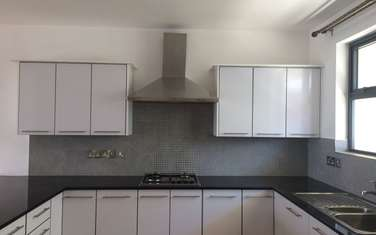 3 bedroom apartment for rent in Thome