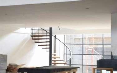 263 m² office for rent in Parklands