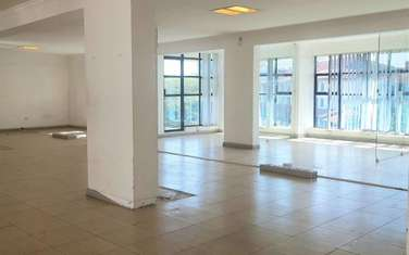 1499 m² office for rent in Riverside