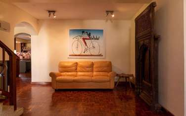 8 bedroom house for sale in Thigiri
