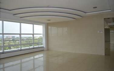 3990 ft² office for rent in Parklands
