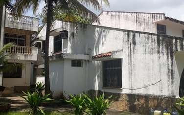 5 bedroom villa for sale in kizingo