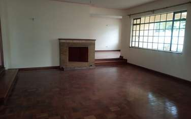 500 m² commercial property for rent in Lavington