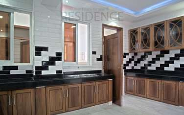 4 bedroom apartment for sale in Tudor
