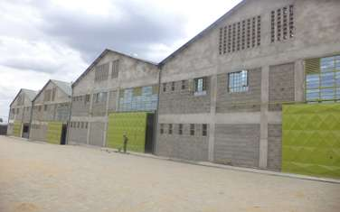 10000 ft² warehouse for rent in Juja