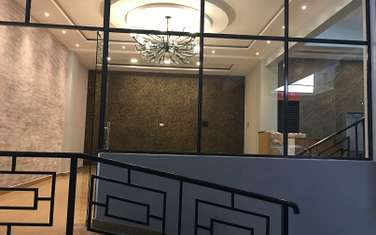 288 m² office for rent in Westlands Area