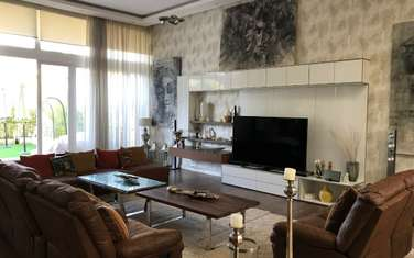 Furnished 4 bedroom townhouse for rent in Kyuna