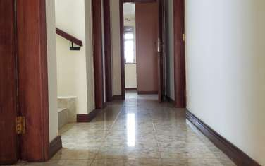 4 bedroom house for rent in Ruaka
