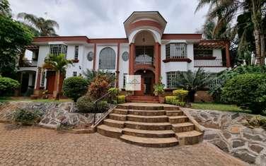 6 bedroom house for sale in Nyari