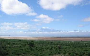 60 ac land for sale in Namanga