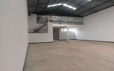 6400 ft² warehouse for rent in Kinoo