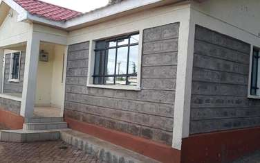 3 bedroom house for rent in Ruaka