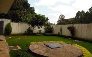 6 bedroom villa for rent in Lavington