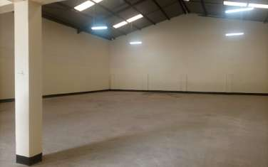 6500 ft² warehouse for rent in Industrial Area