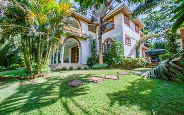 8 bedroom villa for rent in Runda