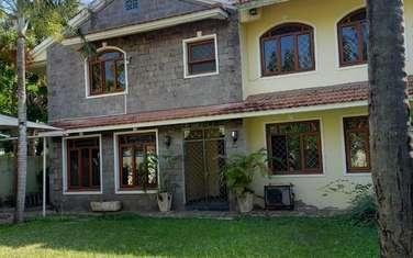 5 bedroom townhouse for rent in kizingo