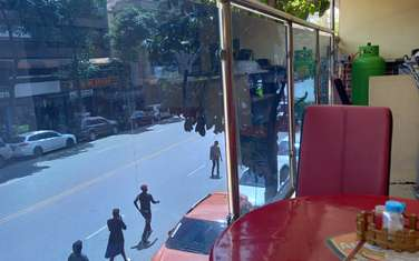 800 ft² shop for rent in Cbd